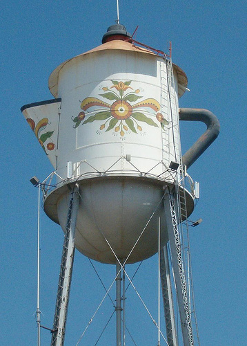 A water tower that looks like a teapot!